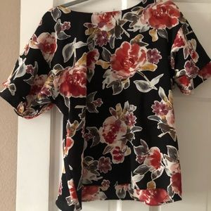 Beautiful floral print with flutter sleeves